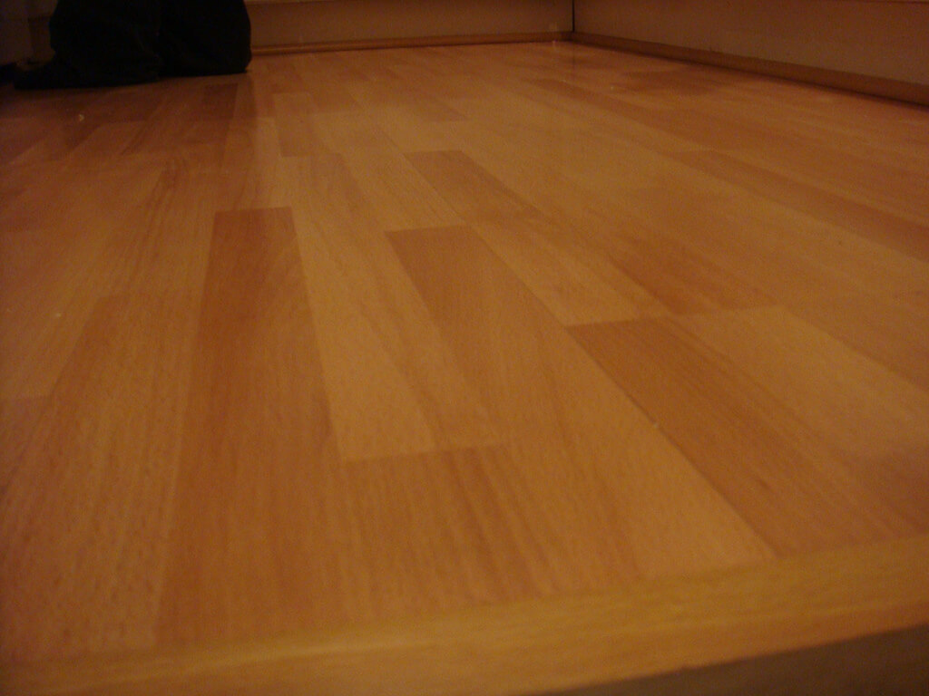 step by step guide in cleaning laminate floors