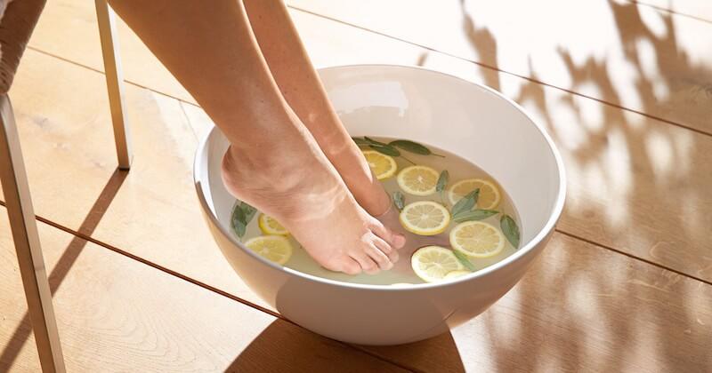 Lemon water foot